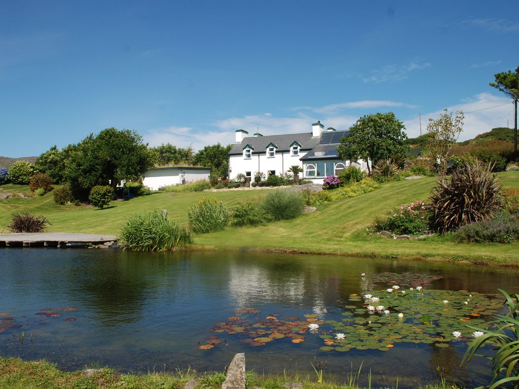 Beautiful Holiday Resort At The South West Coast Of Ireland, With  Swimming Pond,
