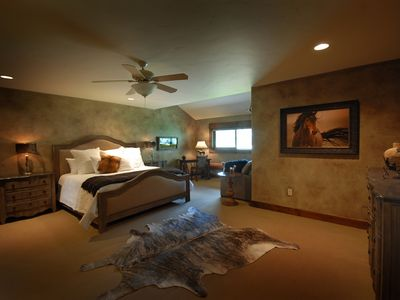Photo for 1BR Lodge Vacation Rental in Divide, Montana