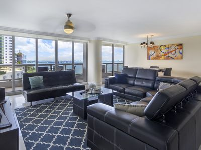 Photo for Luxurious condo with Stunning Bay View. In the heart of the city!