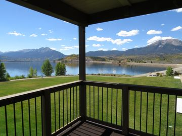 Condo On Lake Dillon   End Unit With Awesome Mountain And Lake Views,  Covered Deck