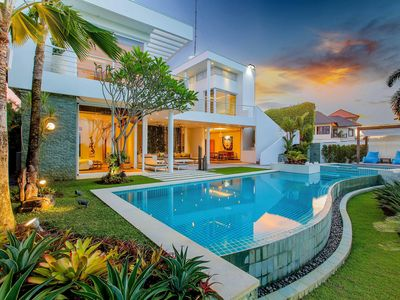 Photo for Golf and Sea View Villa near Dream Land Beach