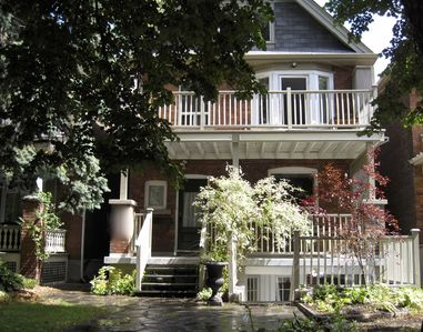 Photo for Beautiful Large 2000SF Three Bdrm Apt Roncesvalles/High Park