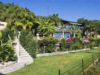 Photo for Villa with WIFI, hot tub, private pool, A/C, TV, terrace, washing machine, close to Taormina