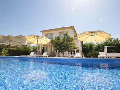 Photo for Stunning private villa for 8 guests with WIFI, private pool, TV and parking