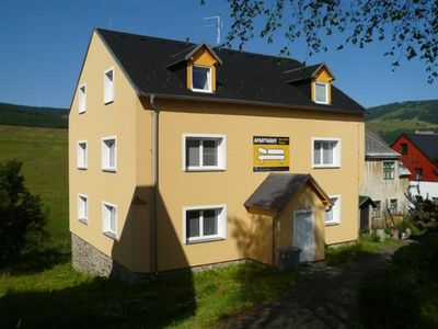 Apartment house in the Ore Mountains, only 1km from the valley station / Loucná - Keilberg /