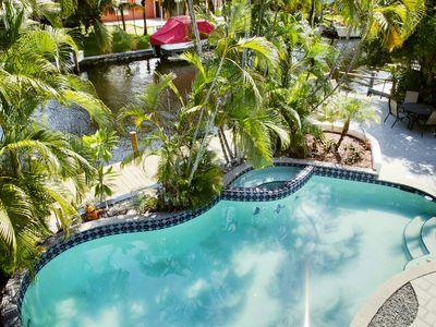 Photo for Waterfront 5BR w/ Heated Pool, 80 Ft Dock, 5 Mins to Downtown - Near Las Olas