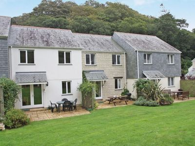 Photo for TREMAEN, pet friendly, with a garden in Falmouth, Ref 959518