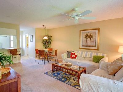 Photo for Teddy Bear - 2br w/ pool and tennis courts - 5 min walk to beach