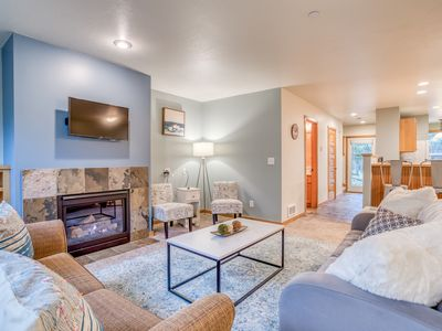 Photo for Pacific City Splendor in this Sunny Contemporary with King Master Suite!