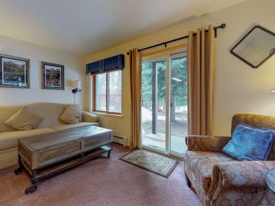 Photo for Dog-friendly ski-in/ski-out condo with shared hot tub in prime location!