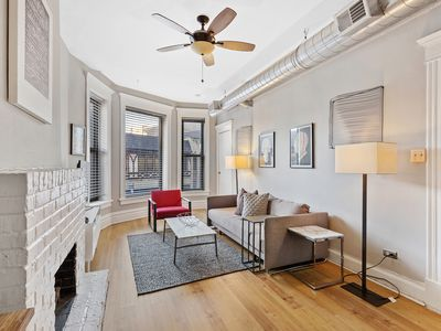 Photo for Brownstone Meets Modern Lincoln Park/Lakeview Apt. - Fantastic Location