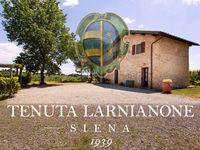 An absolutely wonderful farmhouse, set in breathtakingly beautiful Tuscan countryside.