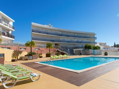 Photo for Luxury Apartment in Albufeira with Panoramic Views, Wi-Fi, UK TV