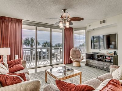 Photo for Beautiful Modern 1st Floor Condo, Outdoor Pool | Crescent Shores - S 106