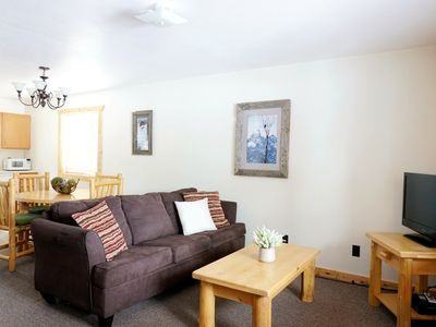 Photo for The Aspen-Cozy two bedroom, right in town