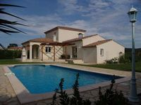 Super house, yard and pool. Good location close to cities, Canal du Midi and old towns.highly recomm