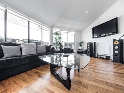 Photo for 1 Bed flat in East London