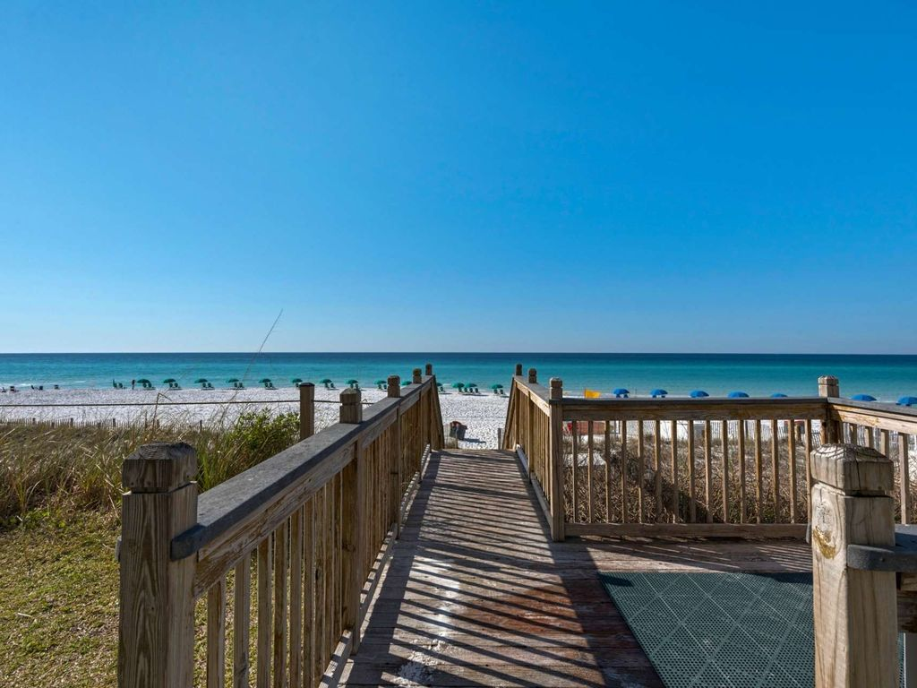 Beach Front Condo with gorgeous Gulf Views!  Sleeps 6 large image 2
