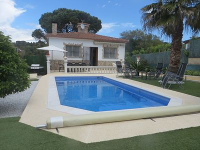 Photo for quiet villa 6 km from the beach