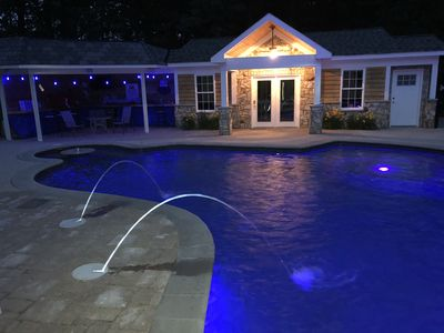 Large Pool with pool house near Quantico. Backyard parties and cookouts welcome!