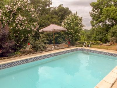 Photo for 2BR Farmhouse Vacation Rental in Sauveterre La Lemance