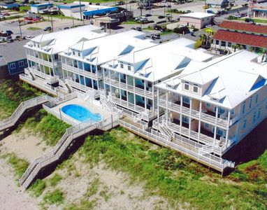 Direct Ocean Front, Pool,5BR, Elevator,Great Location,Recently Renovated