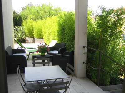 Photo for Charming cottage 2 people - Quiet Heart of the Alpilles