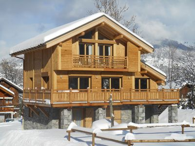 Photo for Chalet Vanakam, Fantastic 4 bed ensuite chalet, good access to the slopes.
