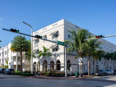Photo for Renovated Art Deco building w/ 16 individual condos - walk to beach (600 ft.)