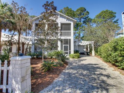 Photo for Beautiful home in a prime location w/ shared pool & tennis - close to the beach