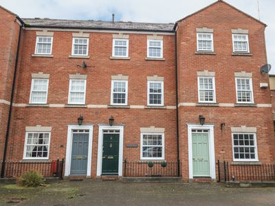 Photo for CHUCKLE HOUSE, family friendly, with a garden in Chester, Ref 997333