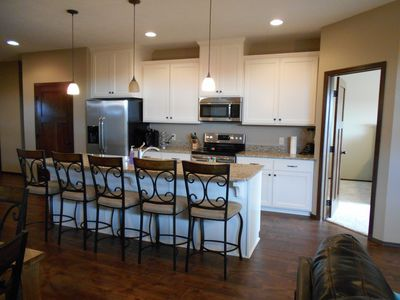 Photo for Gorgeous New 4 Bed 3 Bath Cabin At Bridges Bay - Includes Waterpark Passes!