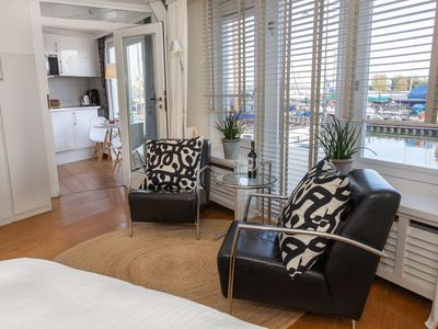 """Photo for Apartment near Amsterdam Luxe Hafenzimmer quiet location """"Apartments-Waterland"""""""