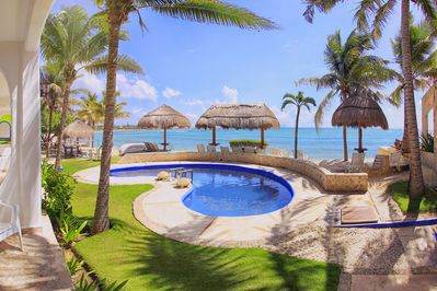 FEEL THE TROPICAL BREEZE AND WATCH THE OCEAN WAVES ROLL IN.