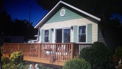 Cottages available on Crooked Lake.
