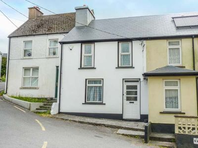Photo for AN TEACH BÁN, pet friendly in Cahersiveen, County Kerry, Ref 939693