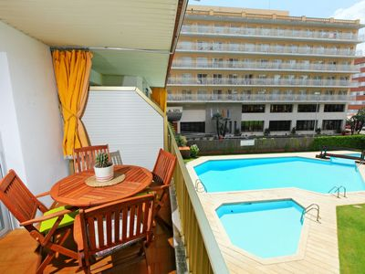 Photo for One bedroom Apartment, sleeps 4 in Lloret de Mar with Pool and WiFi