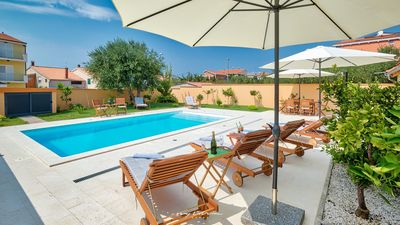 Photo for Beautiful villa with private pool in Zadar