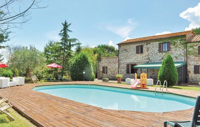 Photo for 9 bedroom accommodation in Castiglion del Lago PG