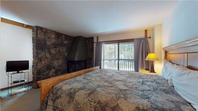 Photo for Relax in this cozy condo with golf course views, near bike paths & The Village