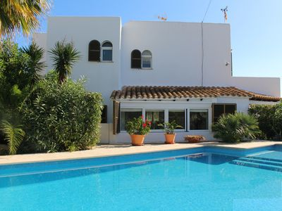 Photo for quiet villa with pool and garden - near the beach