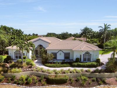 Photo for NEWLY LISTED, LARGE POOL, 4 BEDROOMS!