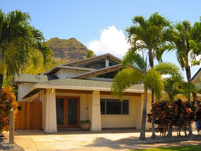 Photo for Diamond Head, Pool, AC, Walk from Waikiki & Beach, Beautiful Interiors