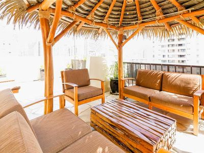 Photo for Tropical retreat in the heart of Waikiki. 1 bdrm condo with large Lanai. Bamboo Waikiki #904