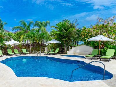 Photo for Modern Townhouse, Communal Swimming Pool, Plunge Pool, Jacuzzi, Short Walk to the Beach