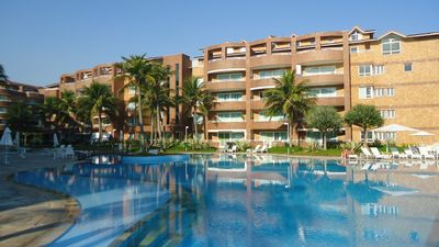 Photo for Apartment on the beach in luxury condominium, complete relaxation, overlooking the sea.