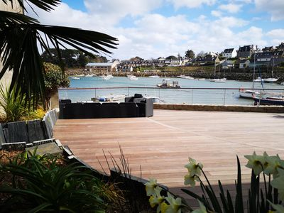 Photo for New in 2019! House feet in the water, overlooking the harbor and Bréhat