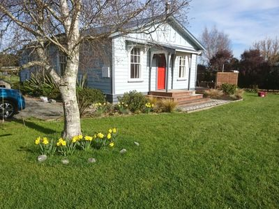 Photo for Charming 1920's cottage in semi-rural setting