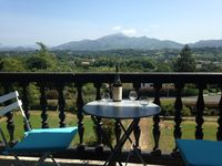 Beautifully appointed flat with magnificent views