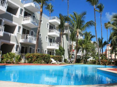 Photo for Apartment with balcony overlooking the pool, 1 minute from the beach, Bavaro.